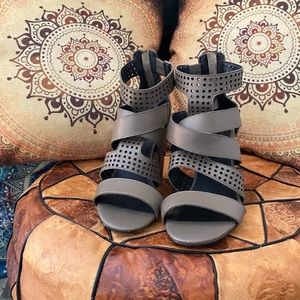 Kelsi Dagger chunky heel sandals